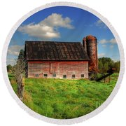 Ashtabula County Barn Round Beach Towel