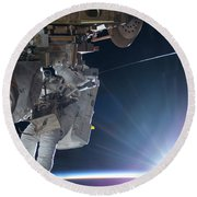 Astronaut Terry Virts Eva Round Beach Towel