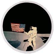 Astronaut With Us Flag On Moon Round Beach Towel
