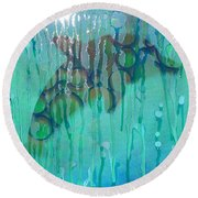 At The Aquarium Round Beach Towel