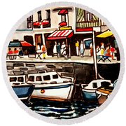 At The Cafe Round Beach Towel