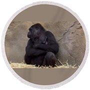 Australia - Baby Gorilla In Mums Arms Round Beach Towel