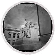 Authority Statue At The Courthouse In Memphis Tennessee Round Beach Towel