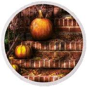 Autumn - Pumpkin - Three Pumpkins Round Beach Towel