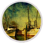 Back Home In The Harbor Round Beach Towel