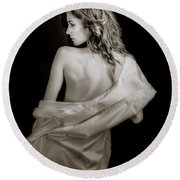 Backside In Black And White Round Beach Towel
