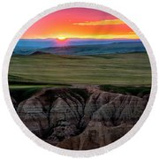 Badlands National Park At Sunset Round Beach Towel