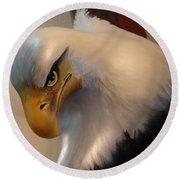 Bald-headed Eagle Sculpture Round Beach Towel