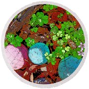 Balls And Clover Round Beach Towel