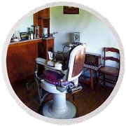 Barber - Old-fashioned Barber Chair Round Beach Towel