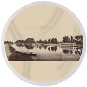 Barges At Oxford Round Beach Towel