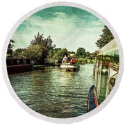 10946 Cruising On The Grand Union Canal Round Beach Towel