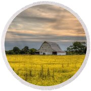Barm In A Yellow Field Round Beach Towel