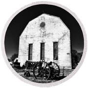 Barn And Tractor In Black And White Round Beach Towel