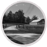 Barn At Yonah Mountain In Black And White 1 Round Beach Towel