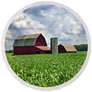 Barn In The Corn Round Beach Towel