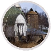 Barn On 29 Round Beach Towel