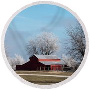 Barn On Frosty Morn Round Beach Towel