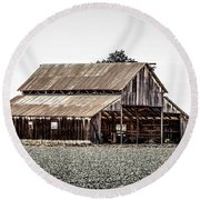 Barn With Outhouse Round Beach Towel