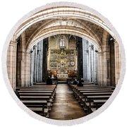 Basilica Of San Isidoro De Leon - Interior Round Beach Towel