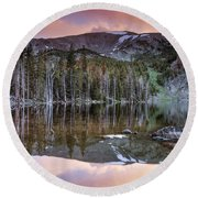 Basin Lake Sunset Round Beach Towel