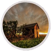 Basking In The Glow - Old Barn At Sunset In Oklahoma Panhandle Round Beach Towel