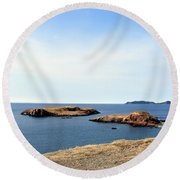 Beach And Rocky Shoreline Round Beach Towel
