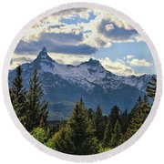Beartooth Mountains In Spring Round Beach Towel