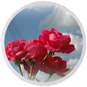 Beautiful Bouquet Of Roses Round Beach Towel