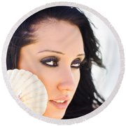 Beautiful Girl Holding A Cockle Shell Round Beach Towel