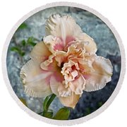 Beauty And The Boulder - Daylily Round Beach Towel