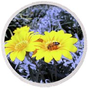Bee On The Yellow Round Beach Towel