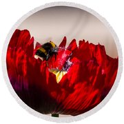 Bee Right Back With Red Flower Round Beach Towel