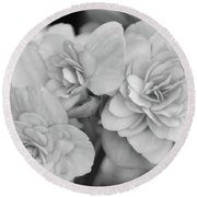 Begonias In Black And White Round Beach Towel