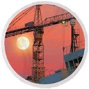 Behind The Crane A Hunter's Moon Rises II Round Beach Towel