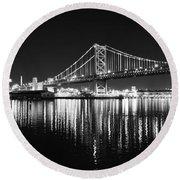 Benjamin Franklin Bridge - Black And White At Night Round Beach Towel