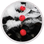 Berries In Snow Round Beach Towel