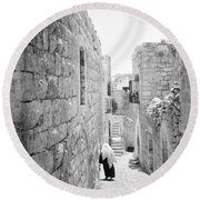 Bethlehem - Old Woman Walking 1933 Round Beach Towel