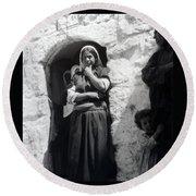 Bethlehemites Women 1900s Round Beach Towel