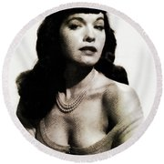 Bettie Page, Pinup Model Round Beach Towel
