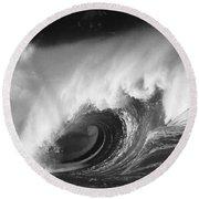 Big Breaking Wave - Bw Round Beach Towel