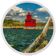 Big Red Lighthouse In Michigan Round Beach Towel