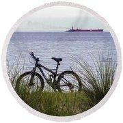 Bike On The Bay Round Beach Towel