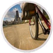 Biking Chicagos Lakefront Round Beach Towel