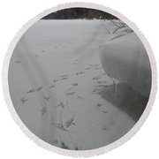 Bird Tracks In The Snow Round Beach Towel