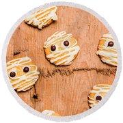 Biscuit Gathering Of Monster Mummies Round Beach Towel