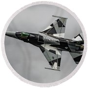 Black And White 18th Aggressor Sqn Viper Topside Against The Grey Round Beach Towel