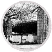 Black And White Barn And Silo Round Beach Towel
