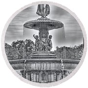 Bedesta Statue Black And White  Round Beach Towel