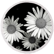 Black And White Daisy 2 Round Beach Towel